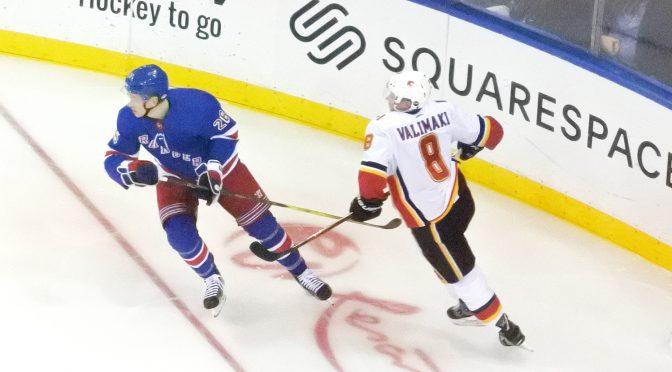 """Calgary Flamesin tulokas Juuso Välimäki: """"NHL:n bisnesmaailmassa ei selkään taputella"""""""